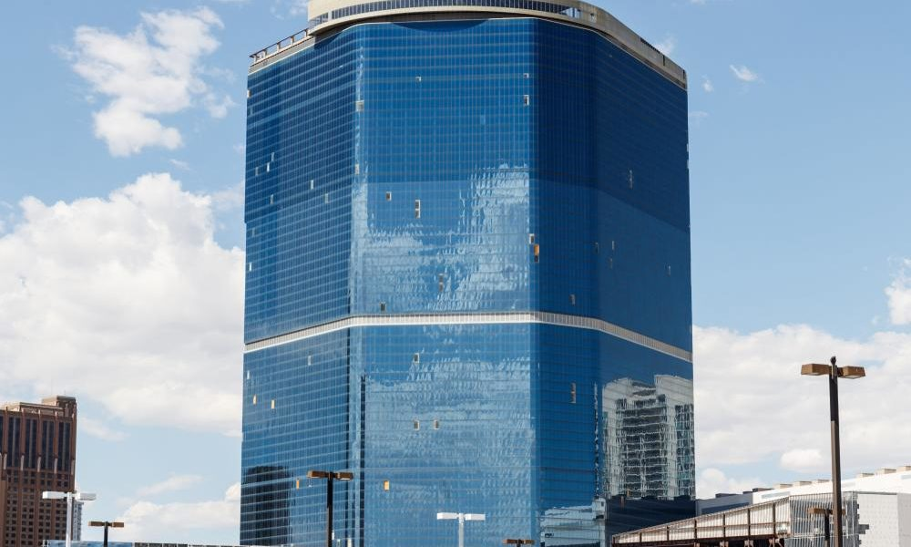 Unfinished Fontainebleau-Drew project is not a solution to the Las Vegas Strip's troubles